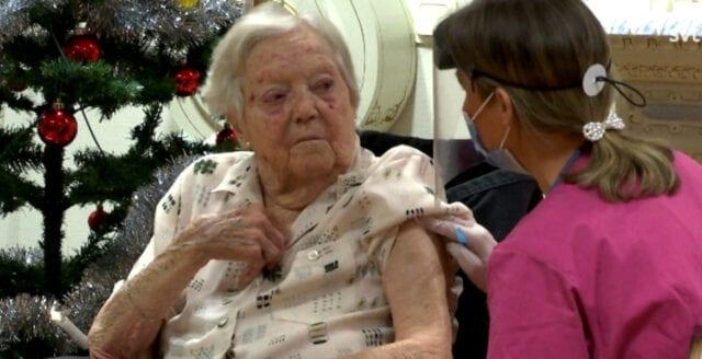 85-åring vaccinerades – avled nästa dag