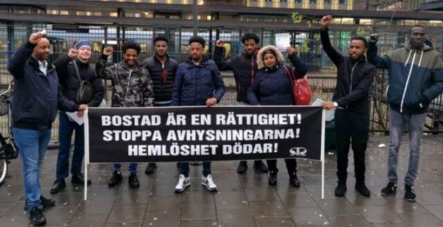 Vänstergrupp gör hembesök hos politiker – kräver att migranter ska gå före i bostadskön