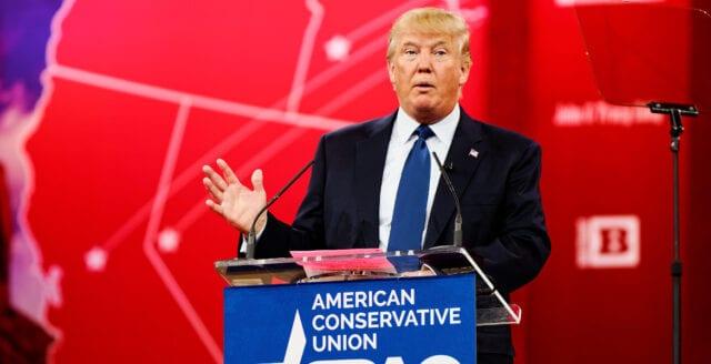 Trump tillbaka i talarstolen på CPAC-konferensen