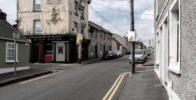 Fredlig protest mot coronarepressionen på Irland