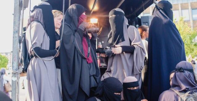 Förbud mot att täcka ansikten i Schweiz efter folkomröstning