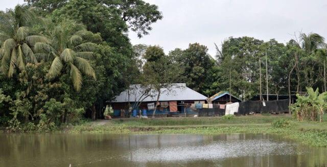 Bangladesh: Islamistisk mobb i attack mot hinduisk by