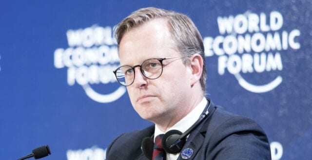 Inrikesministern rasar mot frihetsmanifestationen