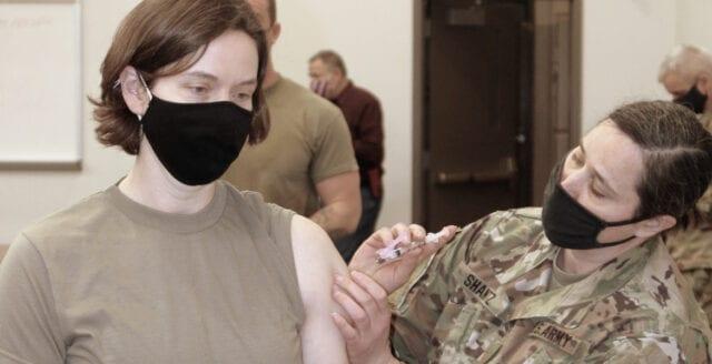 Soldat dog efter Astra Zeneca-injektion