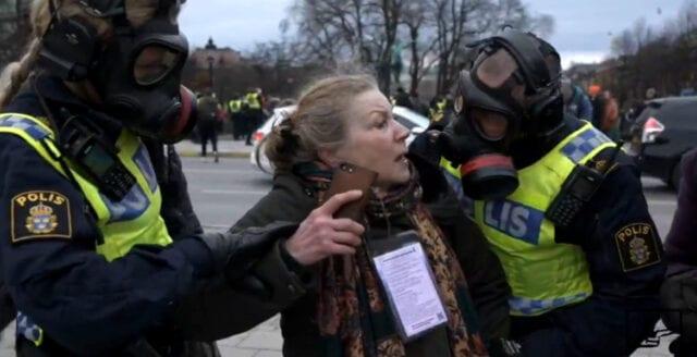 Unik film från frihetsmanifestationen i Stockholm