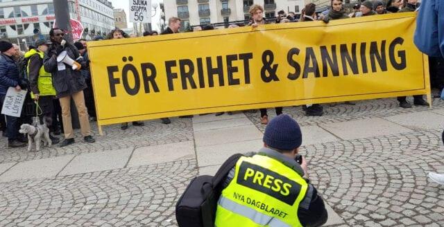 NyD bevakar demonstrationen under nationaldagsfirandet på plats i Stockholm – följ oss på Telegram!
