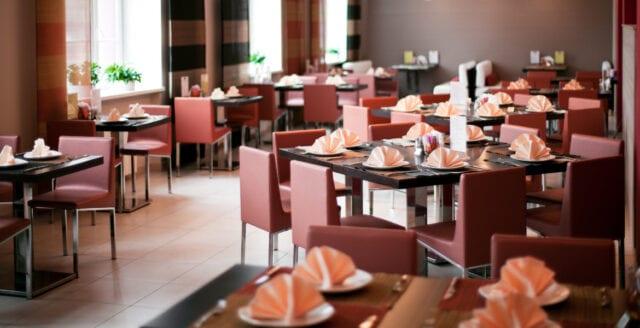 Restaurang utlyste kontroversiell lunchrabatt – endast till vaccinerade