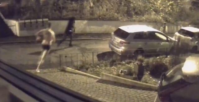 Här jagar AfS-aktivisten iväg vänsterextrema inkräktare med basebollträ