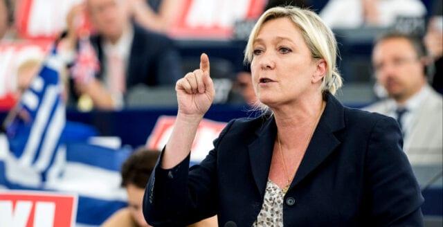 Fransk polis och militär vill se Marine Le Pen som president