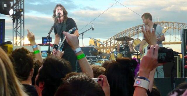 Ovaccinerade bannlysta från Foo Fighters spelning