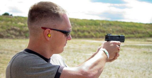 Texas slopar licenskrav för handeldvapen