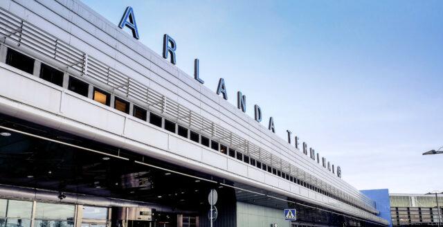 Utvisningsdömda afghaner evakuerades tillbaka till Sverige