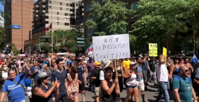 Massiva protester mot vaccinpass i Quebec