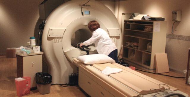 Fördröjningar av cancerbehandlingar på flera håll i landet