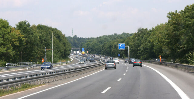 Autobahn kan få hastighetsbegränsning