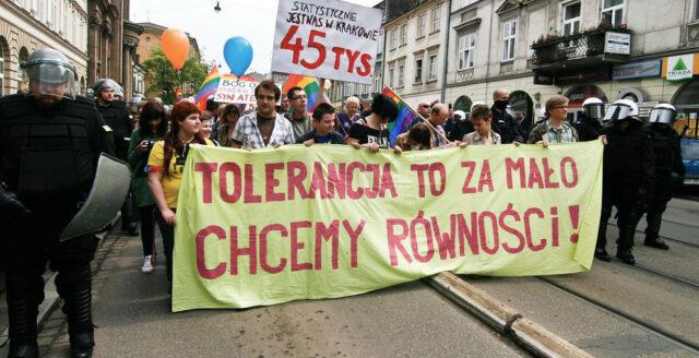 """Trots EU:s hot – polska regioner behåller """"hbtq-fria zoner"""""""