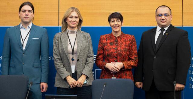 EU-parlamentariker tar strid mot vaccinpassen